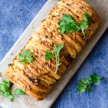 Cheesy Garlic Herb Pull Apart Bread Recipe
